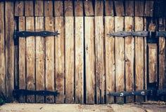 Porta de madeira velha do grunge do vintage fotografia de stock royalty free