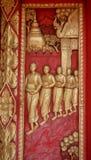 Porta de madeira velha ouro cinzelado de Tailândia Foto de Stock Royalty Free