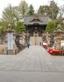 porta de NIO-segunda-feira em Narita-san Shinsho-ji, Japão fotos de stock