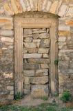 Porta de pedra fechada Imagens de Stock Royalty Free