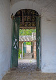 Porta de saída do fazenda velha Foto de Stock Royalty Free