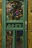 Porta de tela rústica da calha da árvore de Natal Imagens de Stock Royalty Free