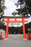 Porta de Torii do santuário de Kamigamo em Kyoto fotos de stock
