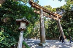 Porta de Torii em Meiji Jingu Fotos de Stock Royalty Free