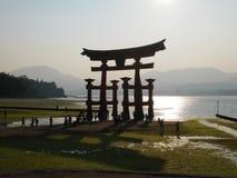 Porta de Torii, Miyajima, Japão foto de stock