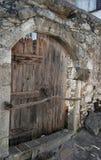 A porta de uma casa de campo crete Fotografia de Stock
