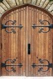 Porta decorativa da igreja com dobradiças do ferro Fotos de Stock