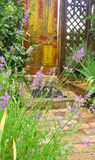 Porta del giardino segreto fotografia stock libera da diritti