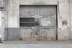 Porta del magazzino fotografia stock libera da diritti