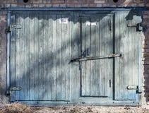 Porta del magazzino del metallo, capannone Fotografia Stock