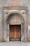 Porta del monastero di Geghard, Armenia fotografie stock libere da diritti