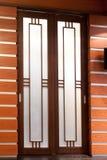 Porta deslizante de madeira Imagens de Stock Royalty Free