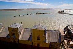 Porta di bianco di Ingeniero in Argentina. Immagine Stock