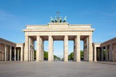 Porta di Brandeburgo, cielo blu, Berlino Fotografia Stock