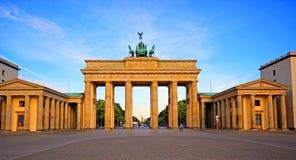 Porta di Brandeburgo nella città di Berlino fotografia stock