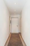 Porta di entrata dell'appartamento fotografie stock libere da diritti