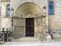 Porta di entrata nella cattedrale di Bamberga di St Peter e di St George fotografia stock