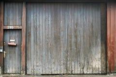 Porta di granaio candeggiata Fotografie Stock Libere da Diritti