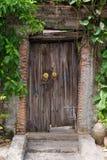 Porta di legno antica Immagine Stock Libera da Diritti
