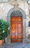 Porta di legno. Bolsena. Il Lazio. L'Italia. Fotografia Stock Libera da Diritti