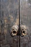 Porta di legno cinese locale come fondo Fotografie Stock
