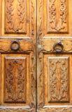 Porta di legno con l'intarsio Fotografia Stock