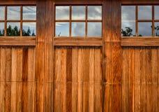 Porta di legno del garage del pannello Immagini Stock Libere da Diritti