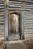 Porta di legno della cabina di ceppo Fotografia Stock