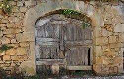 Porta di legno, Pedraza, Spagna Fotografie Stock Libere da Diritti
