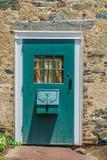 Porta di legno piacevole con la finestra nella nuova speranza storica, PA Fotografia Stock