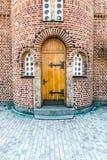 Porta di servizio della chiesa Immagine Stock Libera da Diritti