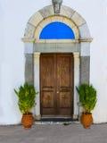 Porta di una chiesa greca Immagini Stock Libere da Diritti