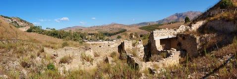 Porta di Valle, Segesta, Sicilien, Italien arkivfoton