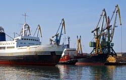Porta do comércio de mar Fotos de Stock Royalty Free