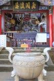 Porta do dragão, e templo em Kunming China fotos de stock royalty free