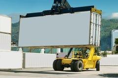 Porta do Forklift e do recipiente. imagem de stock