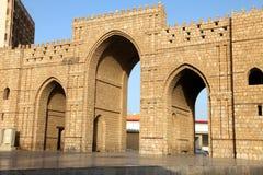 Porta do makkah de Baab no lugar histórico Jeddah Arábia Saudita de balad do al de jeddah imagens de stock