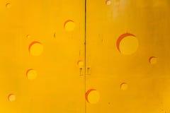 Porta do metal amarelo Imagem de Stock Royalty Free