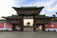 Porta do monastério em Ulaanbaatar fotografia de stock