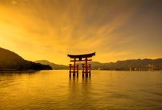 Porta do santuário do património mundial do Unesco no crepúsculo Imagem de Stock