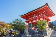 Porta do templo de Kiyomizu-dera em Kyoto Imagem de Stock