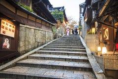 Porta do templo de Kiyomizu-dera em Kyoto, Japão Fotografia de Stock Royalty Free