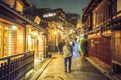 Porta do templo de Kiyomizu-dera em Kyoto, Japão Imagens de Stock