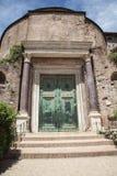 Porta do templo de Romulus em Roman Forum, Roma Imagem de Stock