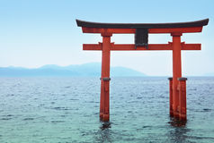 Porta do templo no lago Biwa Fotos de Stock