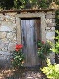 A porta do WC em Quinta faz Raul, São que Pedro faz Sul, Portugal imagens de stock royalty free