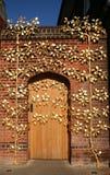 Porta dorata. Fotografia Stock
