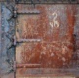 Porta d'acciaio arrugginita Fotografia Stock Libera da Diritti