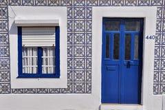 Porta e finestra blu Fotografia Stock Libera da Diritti