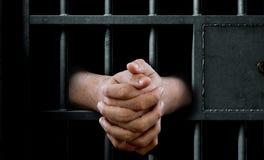 Porta e mãos da pilha de cadeia Imagens de Stock Royalty Free